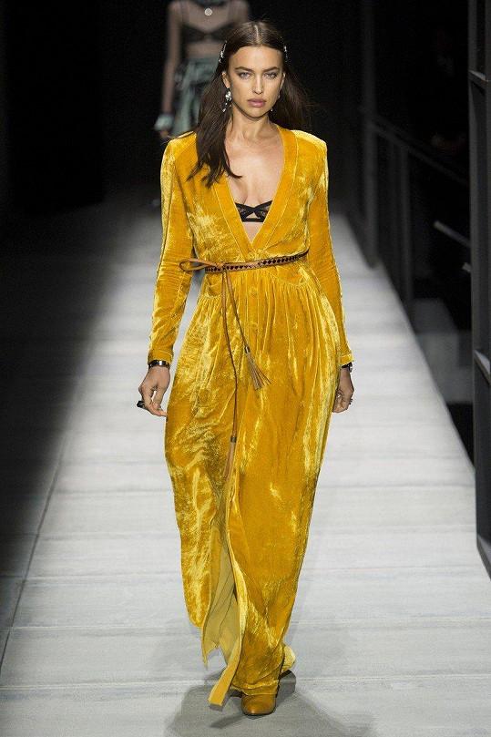 Irina Shayk byla na newyorksém týdnu módy hvězdou přehlídky Bottega Veneta.