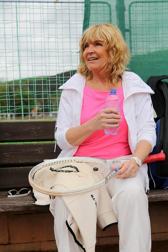 Nedvěda a Martinovou spojoval nejen hudební žánr, ale i tenisová vášeň.