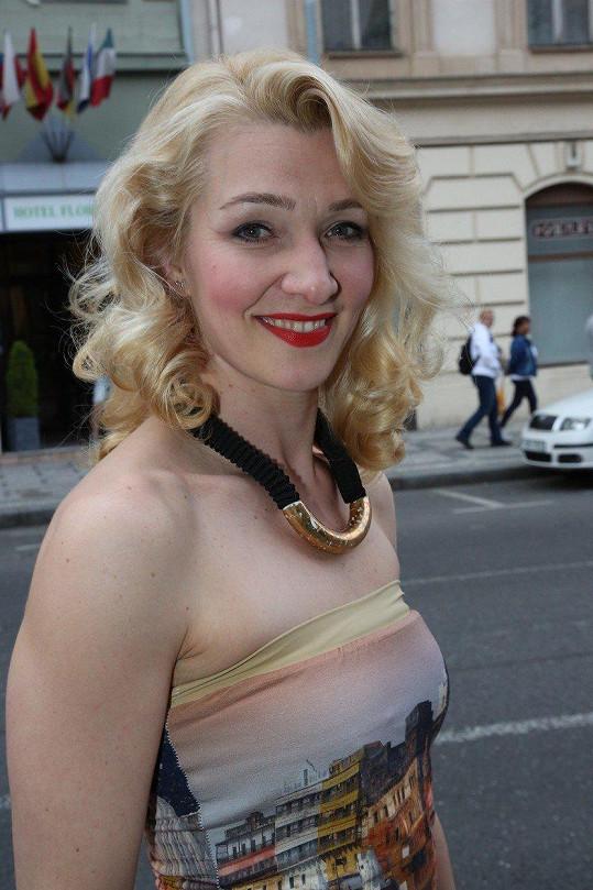 Jana Malá je nemanželskou dcerou Jana Faltýnka. Otce blíže poznat nestihla.