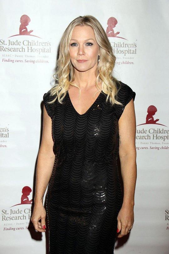 Jennie Garth (46) alias Kelly nemá příliš štěstí v lásce.