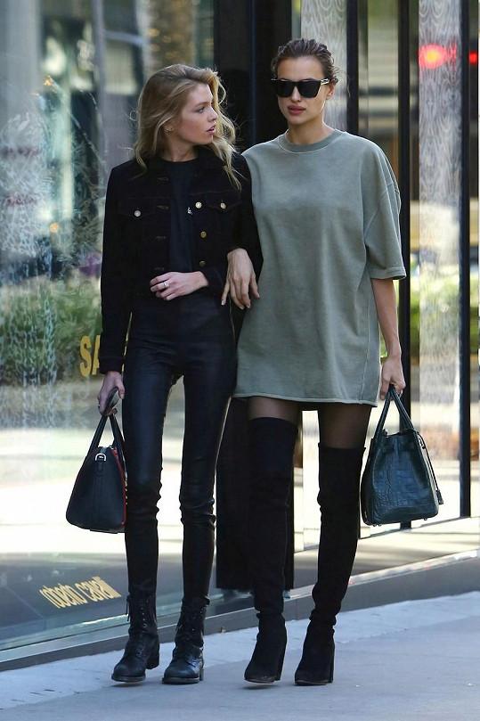 Irina Shayk šla nakupovat se Stellou Maxwell.