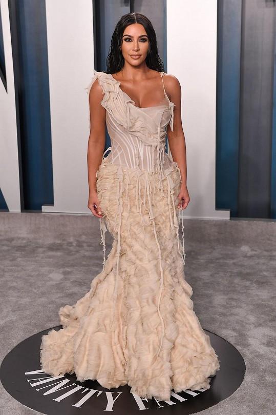 Kim Kardashian je v promování vlastní značky nepřekonatelná.