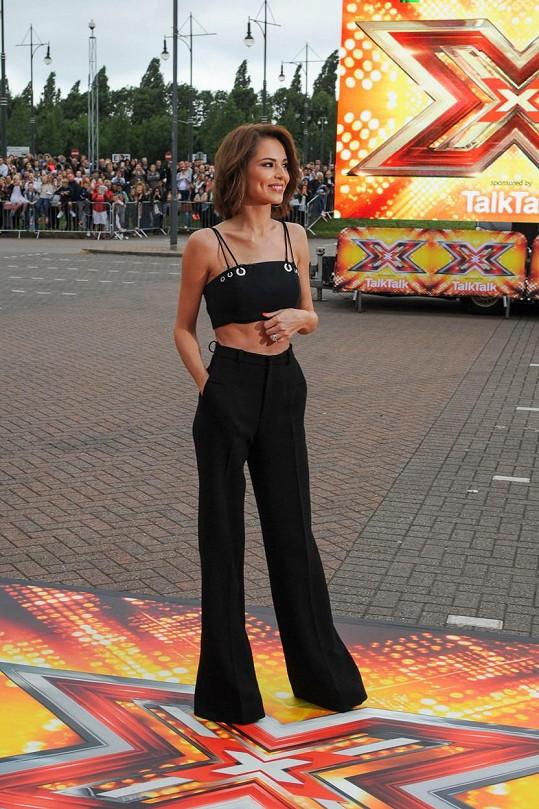 Zpěvačka je součástí britské poroty soutěže X Factor.