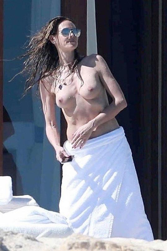 Heidi Klum ukázala prsa.