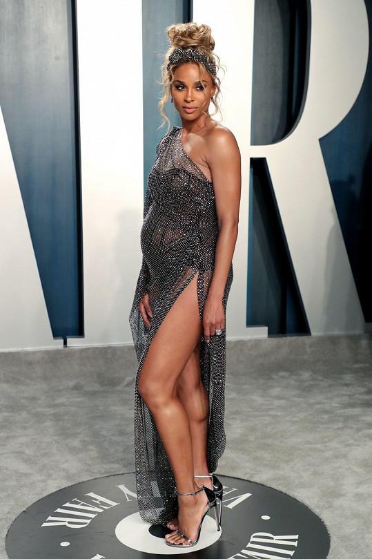 Ciara umí být sexy i ve vysokém stupni těhotenství.