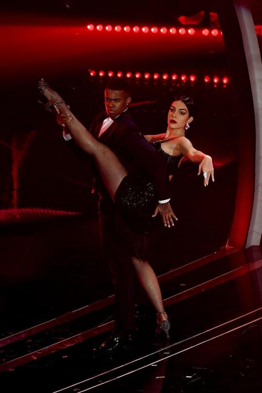 S tanečníky jí to šlo skvěle.