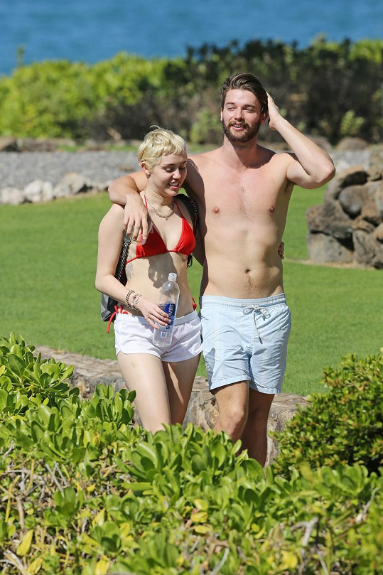 Nový rok spolu ještě trávili na Havaji.