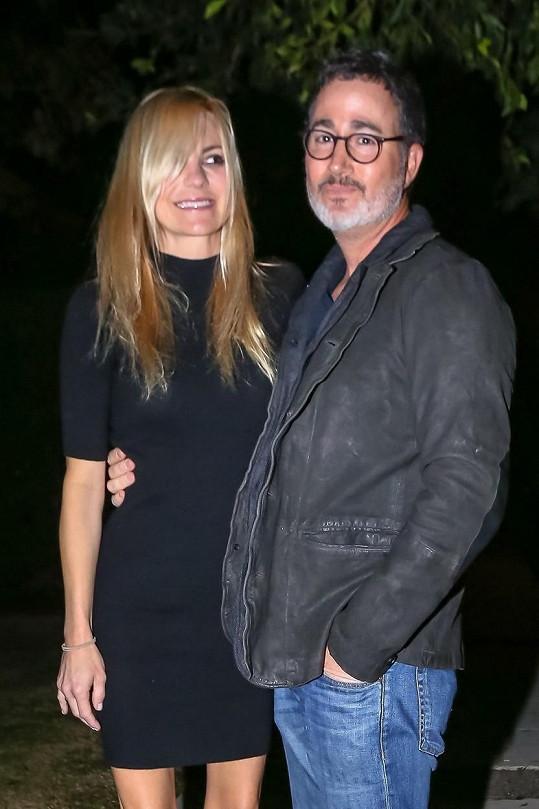 Anna Faris se vdala za kameramana Michaela Barretta.