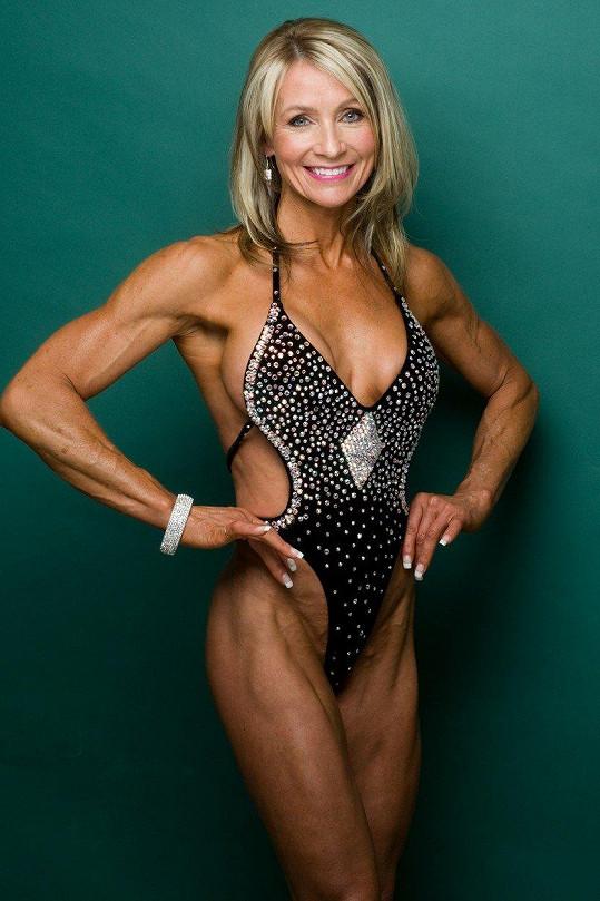 """""""Chci, aby každý věděl, že být fit je možné, bez bolesti, zbytečného omezování se v jídle a drog,"""" říká Lynda Jager."""