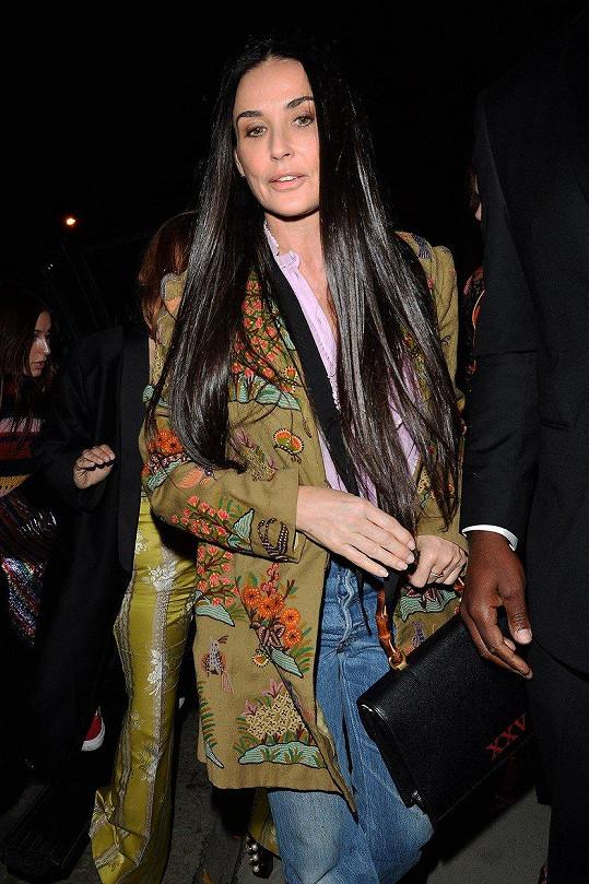 Demi Moore neodmítla pozvání na večírek značky Gucci.