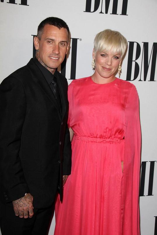 Pink a Carey Hart po pěti letech prodávají dům.