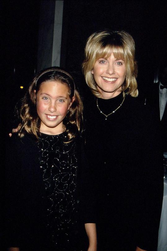 Malá Chloe s maminkou Oliviou v roce 1997