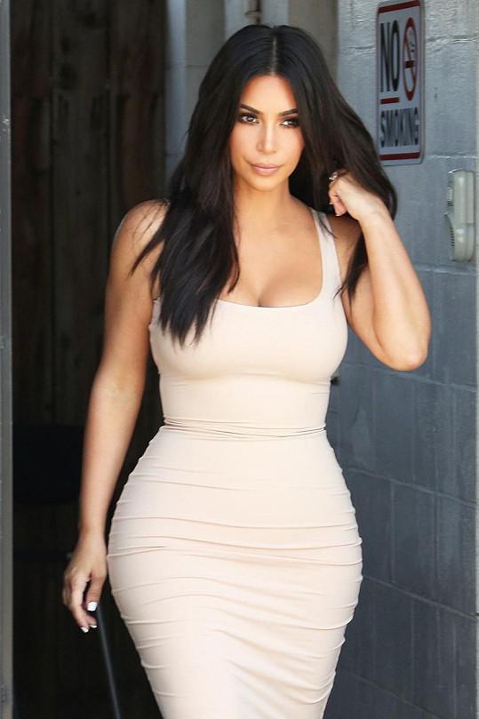 Kim zhubla a zase se chce svlékat.