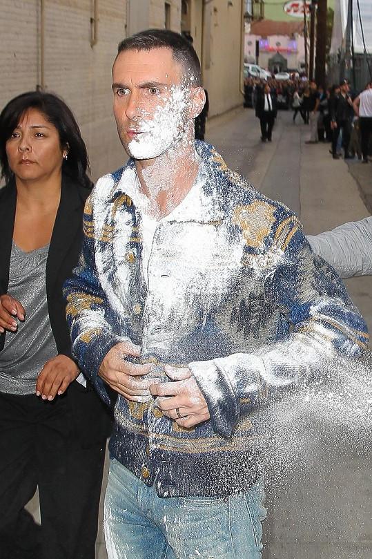 Adam Levine vypadal po incidentu rozzuřeně...
