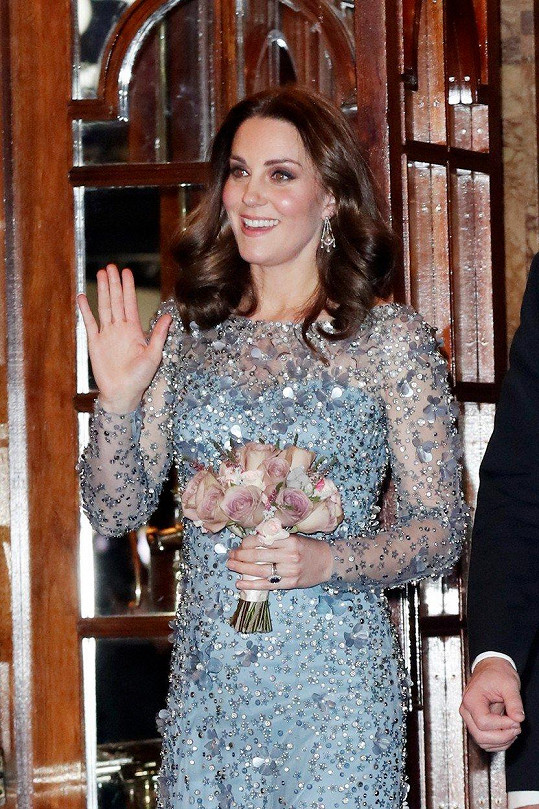 Vévodkyni Kate to v divadle moc slušelo.