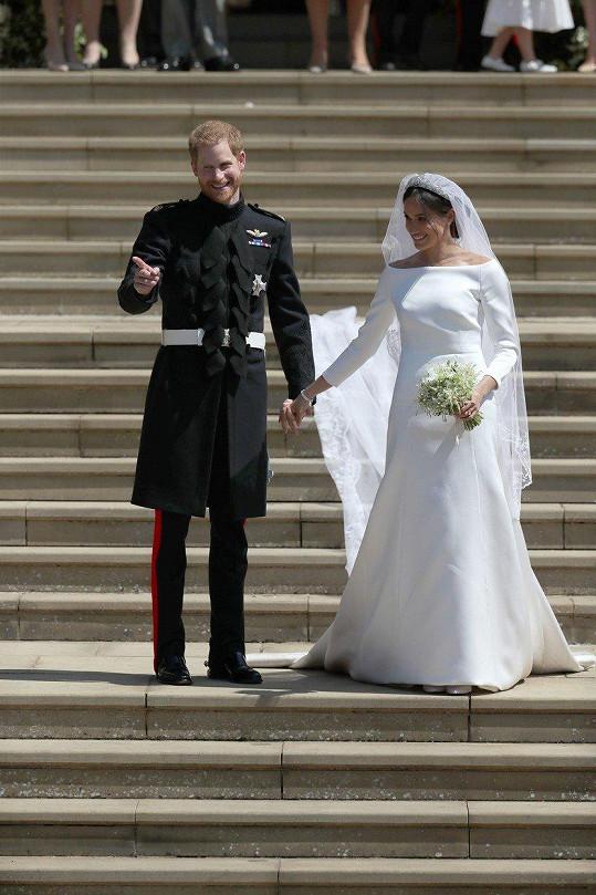 Harry a Meghan si řekli ano na hradě Windsor.