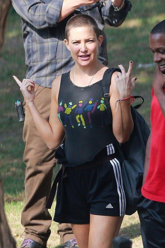 Kate Hudson kvůli filmu Sister shodila vlasy.