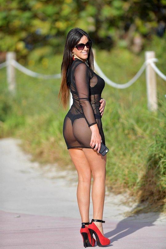 Claudia je oblíbenou modelkou. Pózovala například pro Playboy.