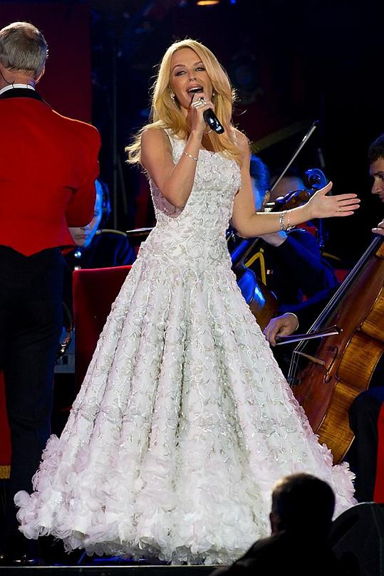 Oslavenkyni přišla zazpívat i australská popová diva Kylie Minogue.