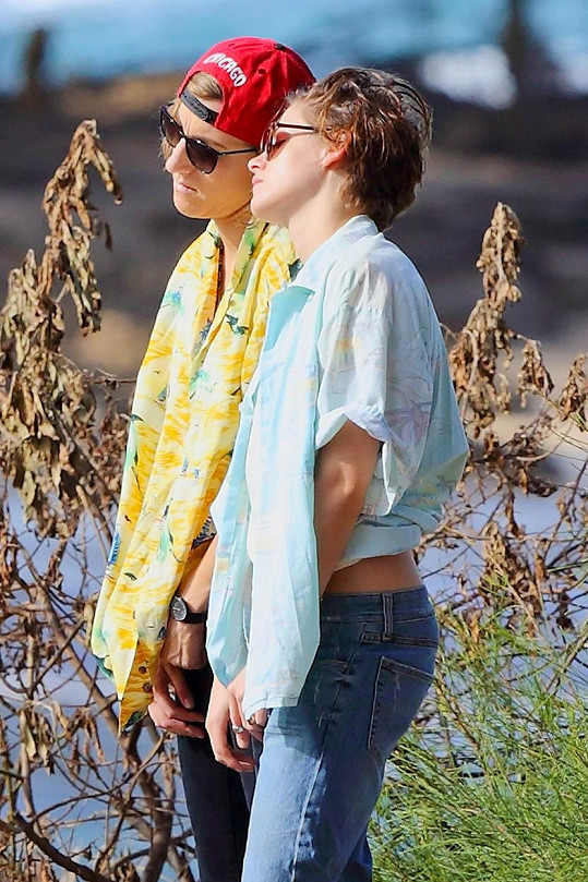 Kristen s Alicií začátkem roku na dovolené na Havaji