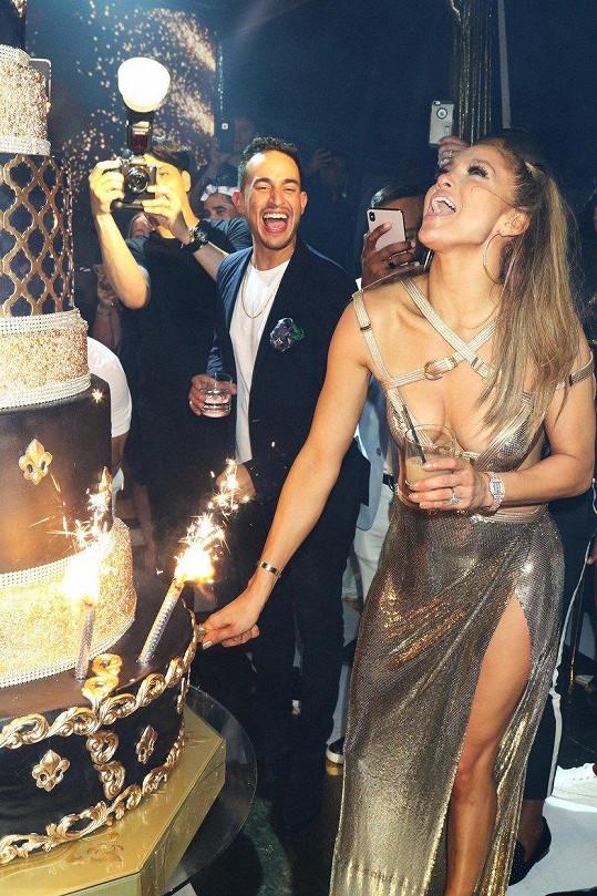 Oslavu padesátin si zpěvačka užila.