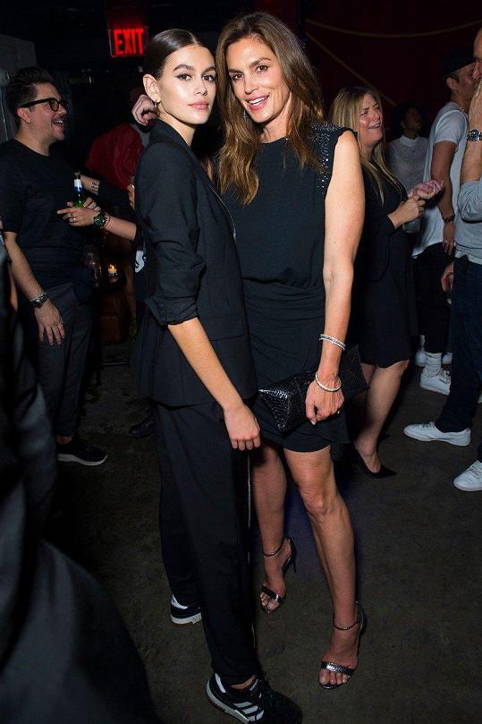 Kaia Gerber zdědila vlohy k modelingu po své matce Cindy Crawford.