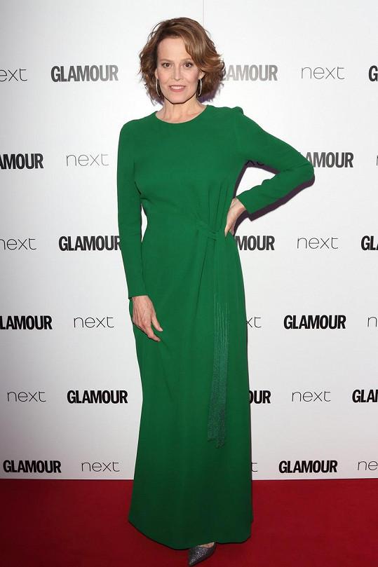 Sigourney Weaver by si mohla dovolit odvážnější model.