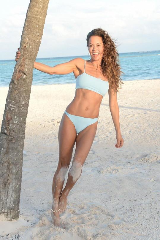 Brooke Burke fanoušci znají jako moderátorku, herečku, modelku a fitness guru.