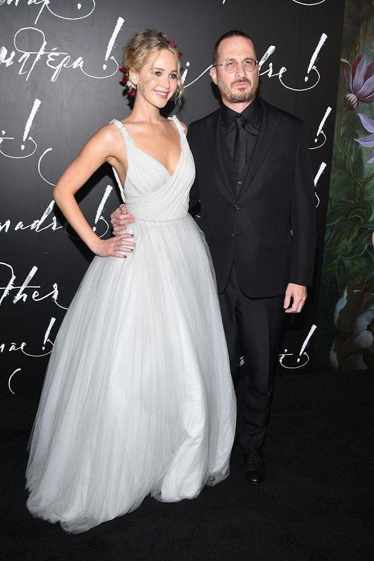 Jennifer Lawrence s o 21 let starším režisérem Darrenem Aronofskym