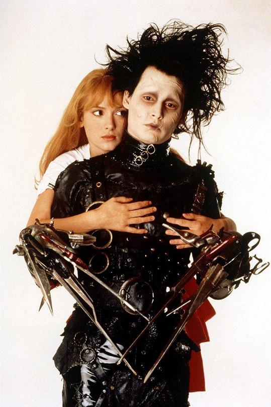 Johnny Depp a Winona Ryder ve filmu Střihoruký Edward