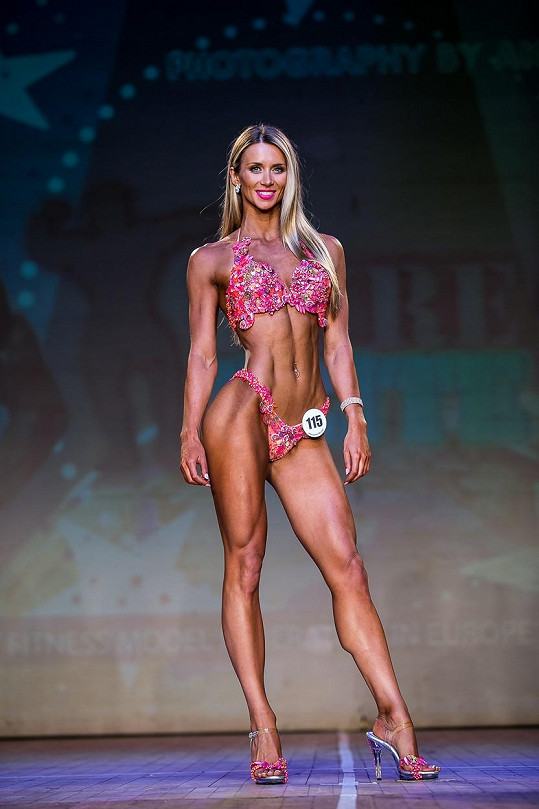 Amelia Tank získala prvenství v kategorii bikini fitness na mistrovství ve Velké Británii.