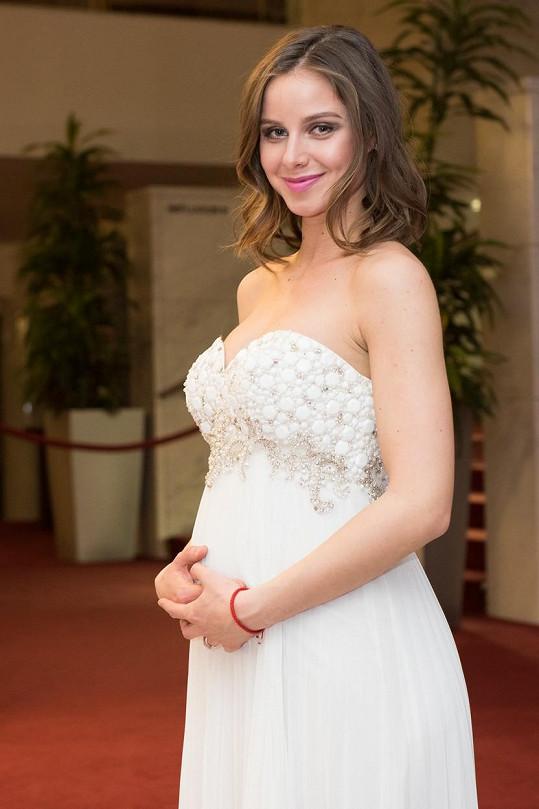 Nela Pocisková ukázala těhotenské bříško.