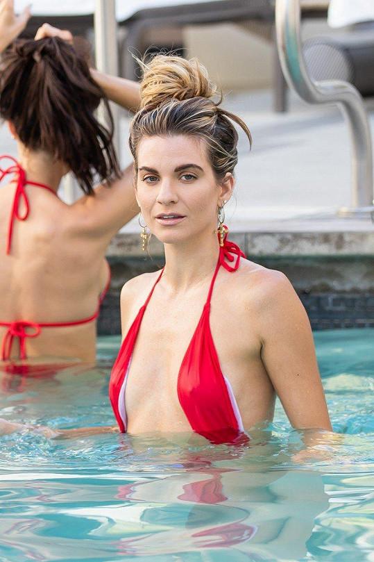 Rachel McCord má ráda minimalistické plavky.