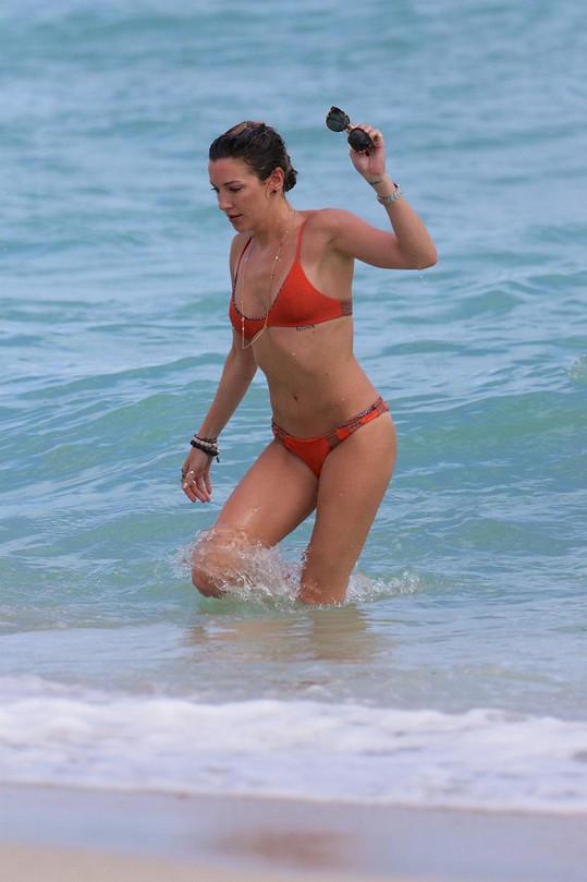 Katie Cassidy má párádní tělo.