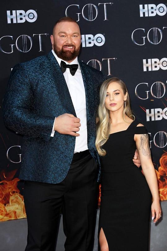 Hafþór převyšuje manželku o 49 cm.