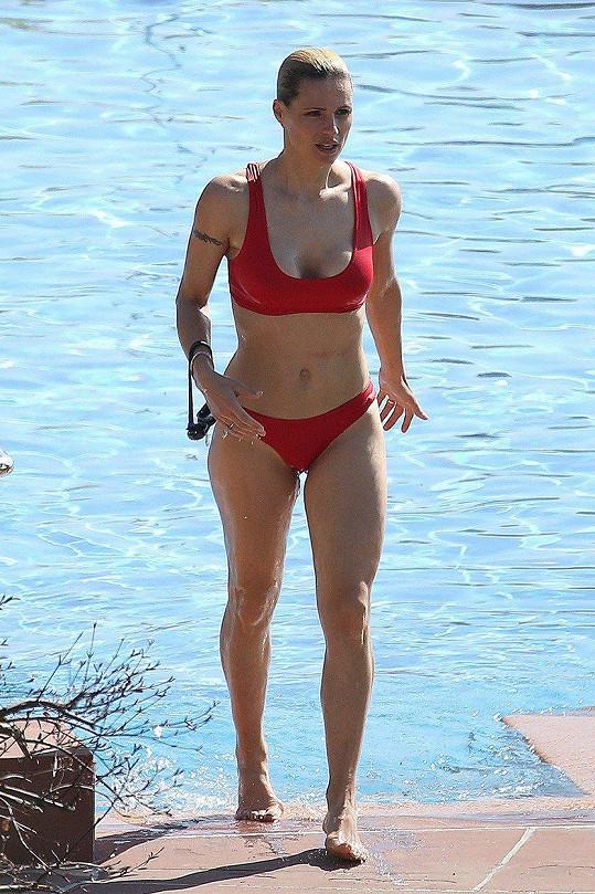 Michelle Hunziker má luxusní postavu.