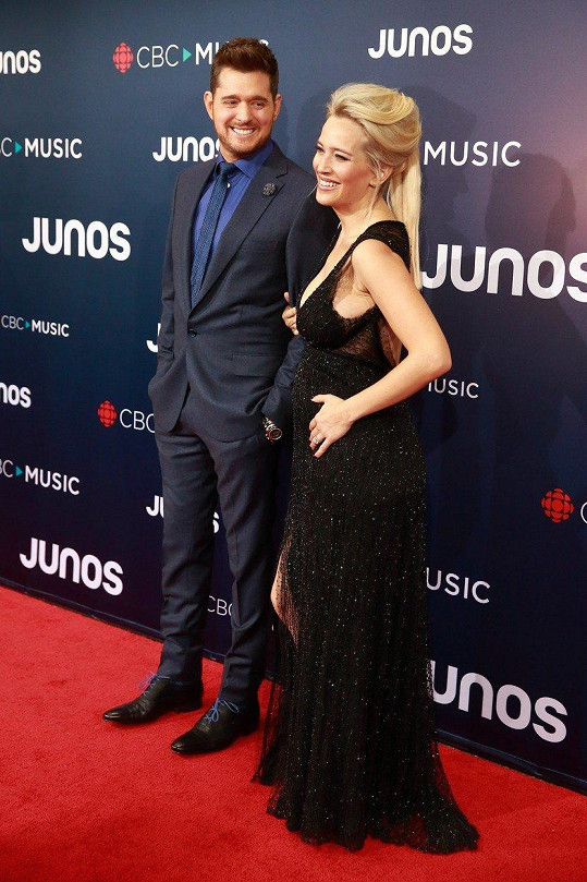 Radostnou novinu pár oznámil na předávání cen Juno ve Vancouveru.