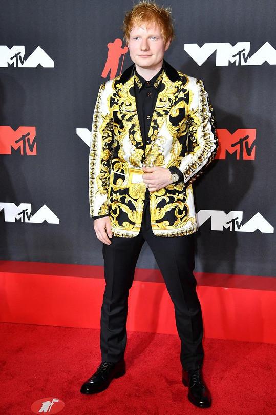 Ed Sheeran zvolil výrazné sako.