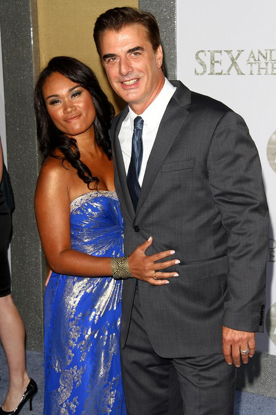 Chris Noth s manželkou Tarou Lynn Wilson budou podruhé rodiči.
