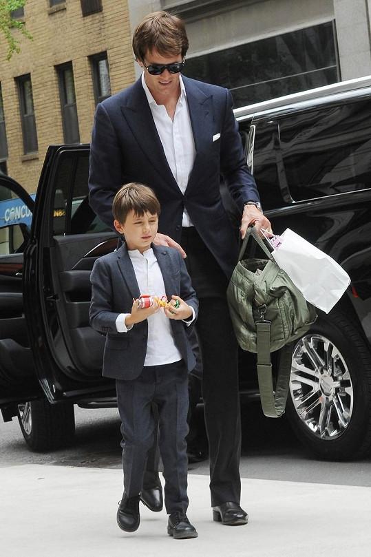 Benjamin s tatínkem Tomem Bradym