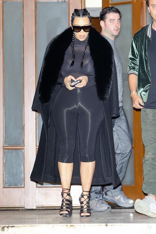 Kim dokáže bříško po porodu dokonale zamaskovat.