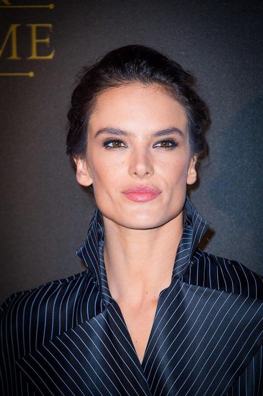 Alessandra na letošní párty Vogue během pařížského týdne módy