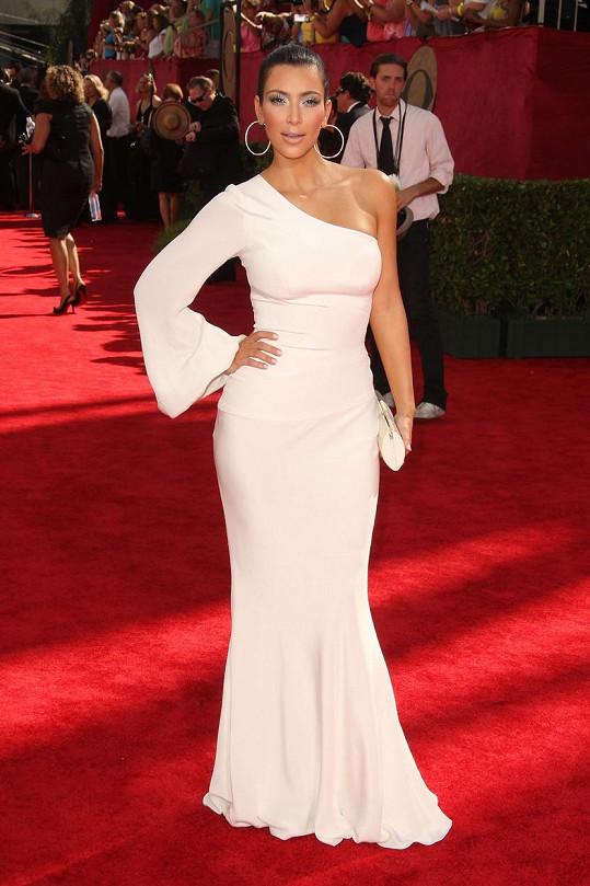Takto Kardashian v roce 2009 okusila, jak chutná popularita.