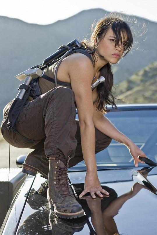 Herečka je nedílnou součástí série Rychle a zběsile.