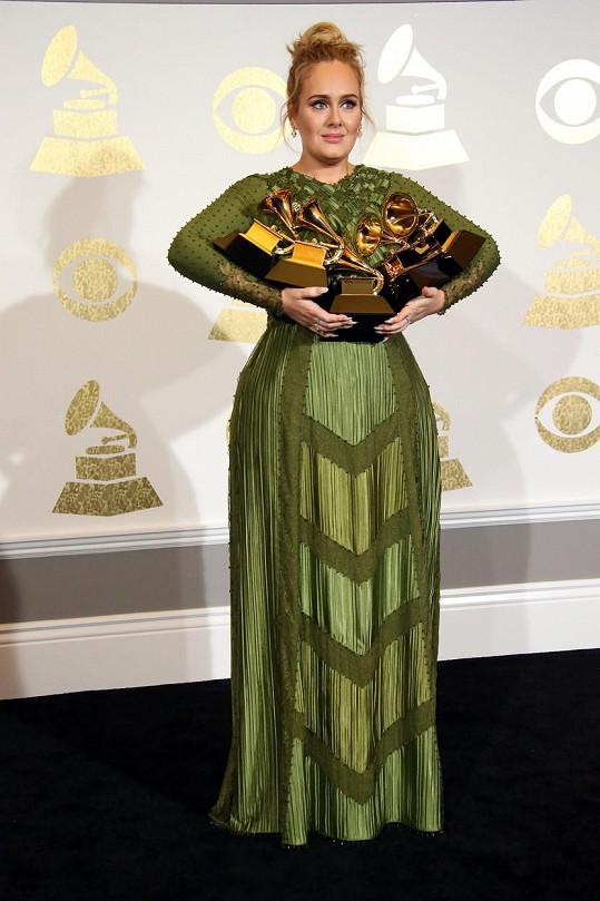 Letos zpěvačka svou sbírku rozšířila o dalších pět cen.