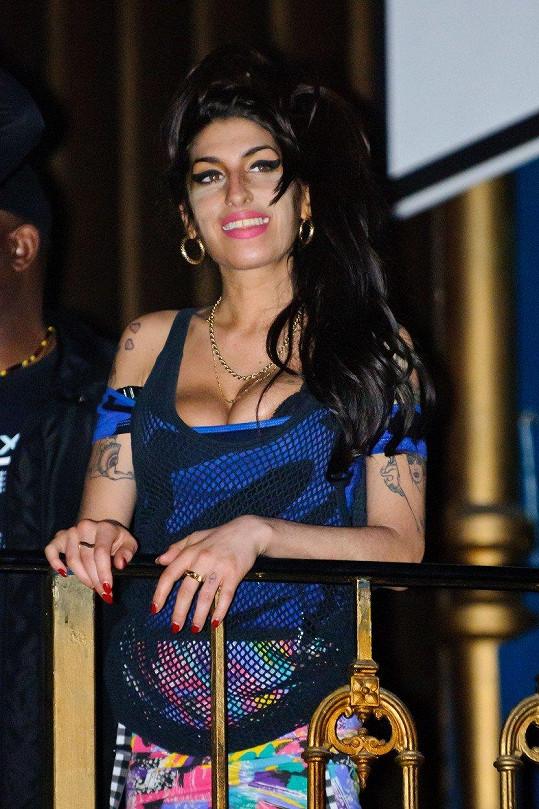 Amy Winehouse doplatila na alkohol.