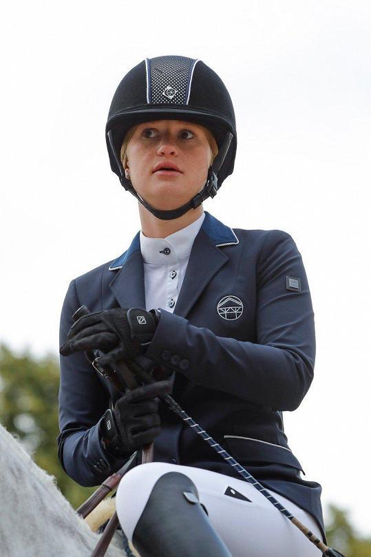 Také dcera Billa Gatese Jennifer je profesionální jezdkyní.
