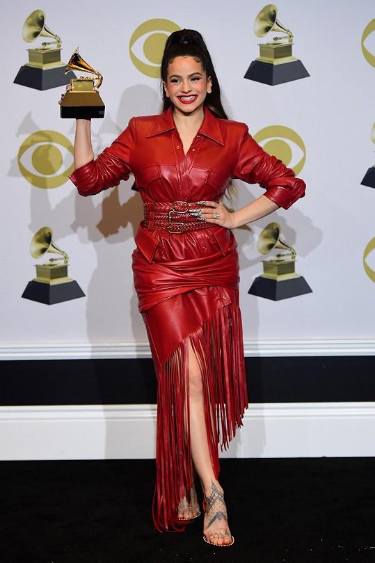 Fanoušci spekulují, že v dalším hudebním počinu Aguilery bude hrát roli i zpěvačka Rosalía, která už získala několik latinských Grammy.