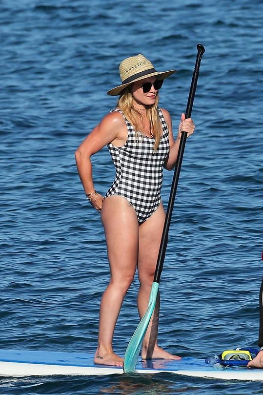 Koníček Hilary Duff se projevuje i na pevnosti její postavy.