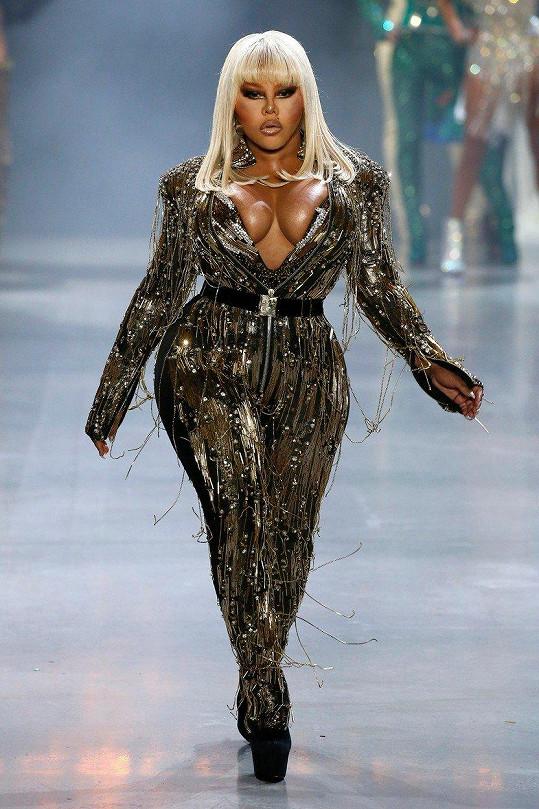 Lil´ Kim zpestřila newyorský týden módy.